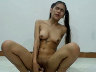 Perfect Shaved Cammodel Enjoys Her Big Dildo