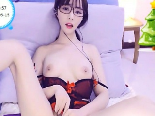 Gorgeous Chinese Playing with Pussy on Cam - Passion-Cams