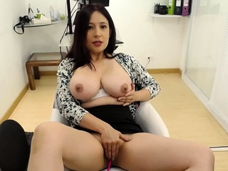 Asian webcam bird with yummie big bosom